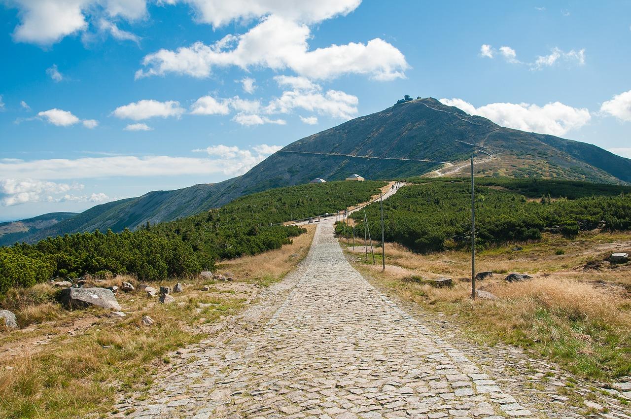 Górskie wędrówki – szlak czerwony na Śnieżkę